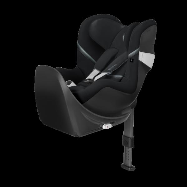 Der Sirona M2 i-Size, ein flexibler Reboard-Kindersitz in dem Ihr Kind bestens geschützt ist - hier in schwarz