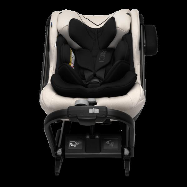 Beiger Reboard-Kindersitz Axkid One+