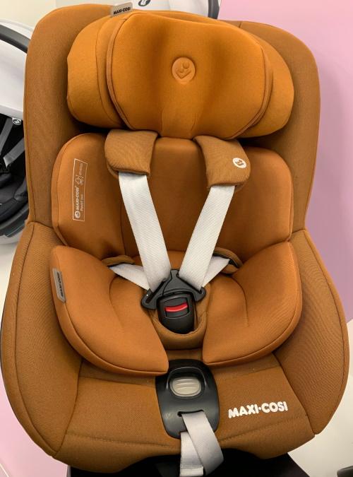 Brauner Maxi-Cosi Pearl 360