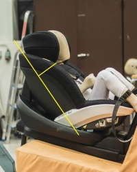 So-ist-die-Kopfstuetze-korrekt-eingestellt-BeSafe