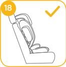 Joie Traver auf Fahrzeugsitz