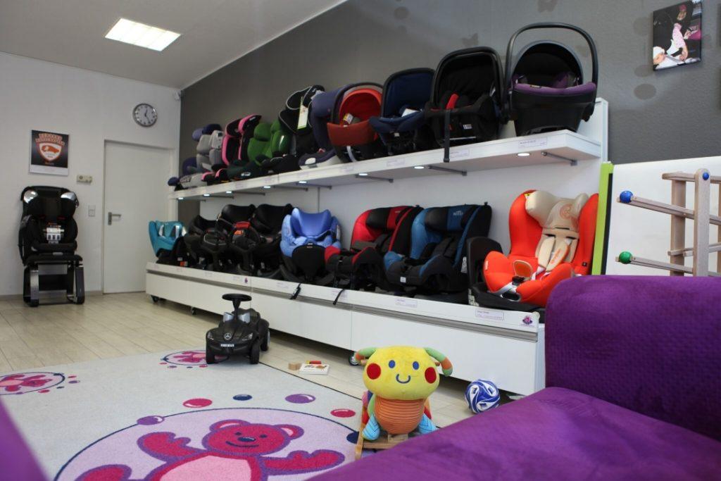 Babyschalen Reboarder Kindersitze in Berlin Sortiment Familie Bär Berlin