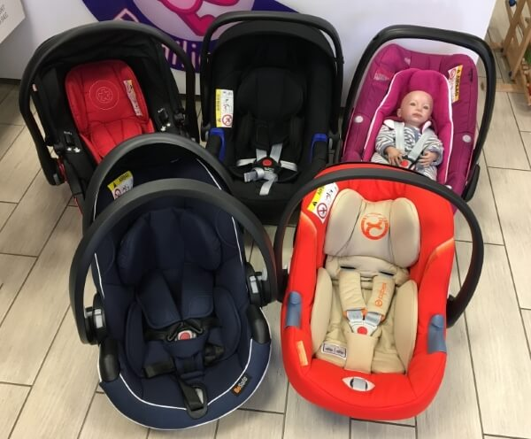 Babyschale unterschiedliche Sortiment