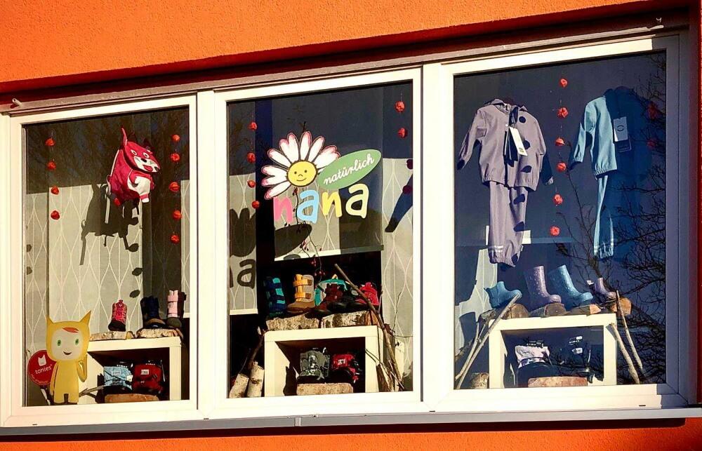 Schaufenster außen Nana Natürlich