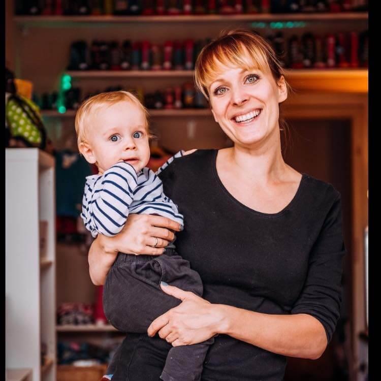 Pauline Beetz Neuenhagen mit Kind